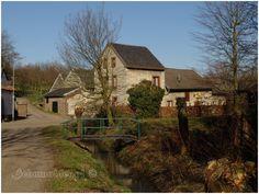 Zuid Limburg Simpelveld.jpg  de oude water (koren)molen van de familie Houben.