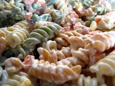A ridiculously easy recipe for bacon ranch pasta salad