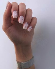 A misconception that beautiful manicure can only be on long nails. We have collected a selection of design ideas for a spectacular manicure. Perfect Nails, Gorgeous Nails, Short Nails, Long Nails, Cute Nails, Pretty Nails, Minimalist Nails, Stylish Nails, Manicure And Pedicure