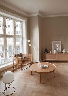 Salon : comment adopter la tendance bois et beige ? Cream Living Rooms, Living Room On A Budget, Living Room Grey, Living Room Decor, Bedroom Decor, Home Design, Interior Design, Interior Colors, Design Ideas