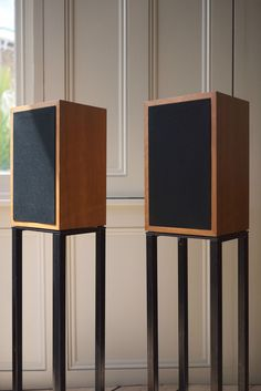 Linn Kan Early Mk 1 Speakers / Loudspeakers / Mk 2 Stands and Original Box | eBay