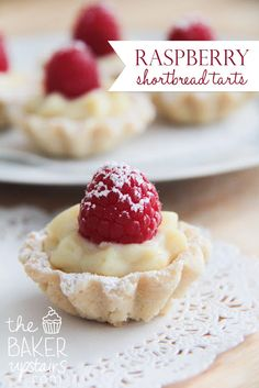 raspberry shortbread tarts Raspberry shortbread tarts from The Baker Upstairs. A delicious sweet cookie crust filled with luscious custard and topped with fresh fruit. An elegant dessert that is sure to impress! Mini Desserts, Tea Party Desserts, Elegant Desserts, Dessert Party, Just Desserts, Delicious Desserts, Dessert Recipes, Yummy Food, Lemon Desserts
