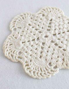 Free crochet pattern Vintage Mini Doily