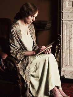 Downton dressing