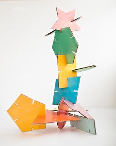 GEOMETRIC CARDBOARD SHAPE SCULPTURES (WITH FREE PRINTABLE)