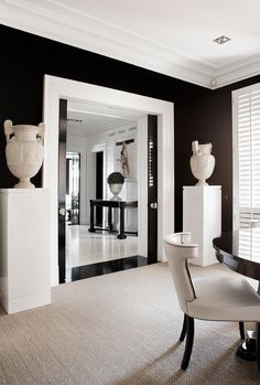 Luis Bustamante is a Spanish international designer. The designer started as a sculptor and painter but later on, he discovered his vocation for interior. Black White Rooms, Black And White Interior, Interior Inspiration, Room Inspiration, Monochromatic Living Room, Corridor Design, Elle Decor, Decor Interior Design, Decoration