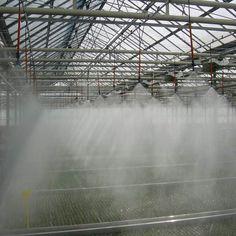 Irigarea prin ceata este uniforma si functioneaza in regim automatizat. Folie Solar Solar, Niagara Falls, Holland, Colorado, Louvre, Building, Nature, Travel, Greece