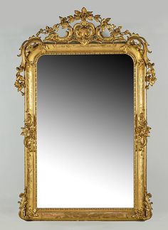 #fotocaption14807 Mirror Photo Frames, Wall Mirror, Unique Furniture, Online Furniture, Long Mirror, Gothic Interior, Green Sofa, Baroque, Luxury