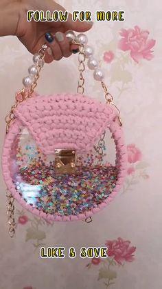 Diy Crochet Bag, Crotchet Bags, Crochet Bag Tutorials, Crochet Flower Tutorial, Crochet Videos, Crochet Projects, Chevron Crochet Patterns, Crochet Jewelry Patterns, Corset Sewing Pattern
