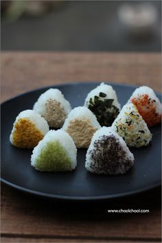 Onigiri おにぎり ... I need to learn japanese to read this recipe  or find it in english - http://wanelo.com/p/3878170/learn-japanese-online-rocket-japanese