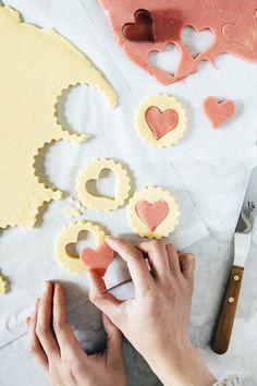 Summer Cookies, Baby Cookies, Flower Cookies, Heart Cookies, Valentine Cookies, Easter Cookies, Birthday Cookies, Cookies Et Biscuits, Christmas Cookies