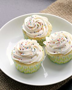 Perfect Vanilla Cupcakes with Vanilla Buttercream Frosting