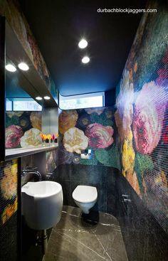 Bathroom in australian contemporary house of NSW - Un cuarto de baño acabado con efecto visual estético de gran impacto