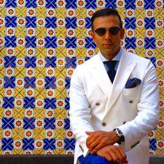 #JasonSarai Bespoke White Double Breasted Blazer | www.stylebysarai.com