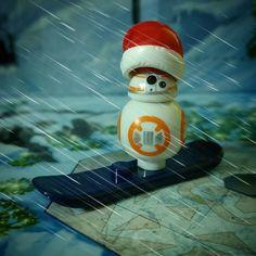 Día 24: BB-8 Santa!! #starwars #bb8 #santa #santaclaus #snow #Lego #instalego #legogram #afol #adventcalendar #calendarioadviento #minifigure #seeyounextyear