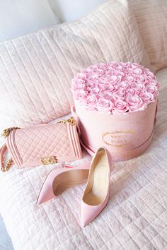 Adore this pretty blush Chanel bag! Pink Love, Pretty In Pink, Mode Rose, Baby Pink Aesthetic, Pink Heels, Everything Pink, Pink Fashion, Fashion Fashion, Home Decor Accessories
