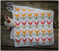 Ravelry: Tulipan pattern by Jorunn Jakobsen Pedersen Fair Isle Knitting Patterns, Knitting Charts, Free Knitting, Knit Dishcloth, How To Start Knitting, Hobbies And Crafts, Knitting Projects, Knit Crochet, Cross Stitch