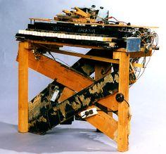 Electronic_Sackbut built by Hugh_Le_Caine 1948