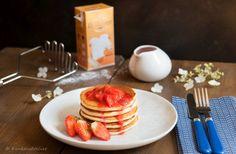 Luchtige ricotta pancakes met een super makkelijk te maken saus van aardbeien en gestampte muisjes. Aardbeien en anijs combineren namelijk heel erg goed!