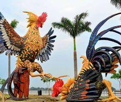 Monumento a las peleas de gallos, en malecón de Samborondón - Gran Guayaquil | El Universo