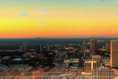 Новое видео НЛО: над Атлантой замечены светящиеся шары неизвестного происхождения http://joinfo.ua/curious/1179479_Novoe-video-NLO-Atlantoy-zamecheni-svetyaschiesya.html