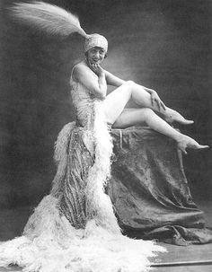 Mistinguett, uma das mais famosas atracções do Moulin Rouge