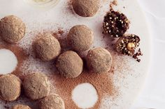Indulge yourself without guilt with Shannon Harley& healthy sugar-free take on Ferrero Rocher chocolates which are packed full of protein. Protein Powder Coffee, Chocolate Protein Powder, Raw Food Recipes, Sweet Recipes, Dessert Recipes, Healthy Recipes, Healthy Options, Vegetarian Recipes, Healthy Sugar