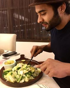 2983078e1be Jackky Bhagnani Lost 15 Kg in 21 Days With Keto Diet - Healthy Celeb 21 Days