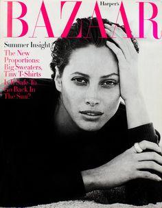 Christy Turlington en una portada de Harper's Bazaar.