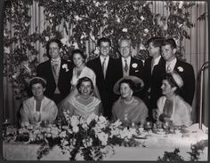 The head table at the wedding of Robert Sargent Shriver and Eunice Kennedy, May Rose Kennedy, Ethel Kennedy, Jacqueline Kennedy Onassis, Caroline Kennedy, Eunice Kennedy Shriver, Familia Kennedy, John Fitzgerald, Bobby, Royal Families