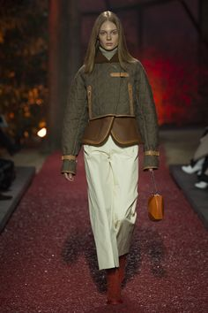 Hermès Fall 2018 Ready-to-Wear Fashion Show Collection Hermes 9d1335452e