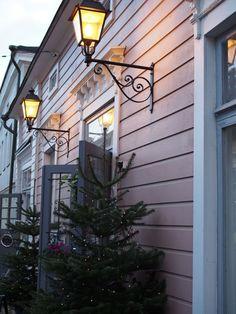 Porvoossa on aina joulun aikaan päästävä käymään. Vaikka lunta ei olisi yhtään, niin kuin tänä vuonna, Porvoossa on takuuvarmasti jo...