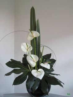 33 ideas for flowers arrangements arrrglos florales Contemporary Flower Arrangements, Creative Flower Arrangements, Tropical Floral Arrangements, Flower Arrangement Designs, Ikebana Flower Arrangement, Church Flower Arrangements, Church Flowers, Beautiful Flower Arrangements, Tropical Flowers