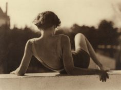 "the–elusive–muse: "" Hendaye - 1927 - Jacques Henri Lartigue "" Top Photos, Modern Hepburn, Louise Brooks, Photo D Art, French Photographers, Monochrom, Bathing Beauties, Pose Reference, Vintage Photographs"