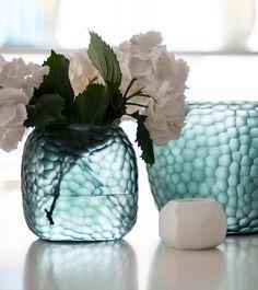 Explore the stylish vase SOMBA M ocean blue/indigo by exclusive designer brand Guaxs. Interior Accessories, Home Decor Inspiration, Beautiful Homes, Indigo, Branding Design, Ocean, Vase, Explore, Interior Design