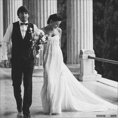 Gorgeous #bride in oscar de la renta at her wedding in #Italy at stunning venue Villa Alba by Sergey Usik http://blog.sergeyusik.com/2013/03/blog-post.html