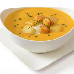 Aprende a preparar sopa de papaya, ajo y queso con esta rica y fácil receta.  La sopa de papaya, ajo y queso suave es ideal para seguir una dieta depurativa y...