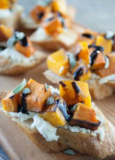 A last minute appetizer for Thanksgiving: Butternut Squash and Goat Cheese Crostini with sage and balsamic glaze!