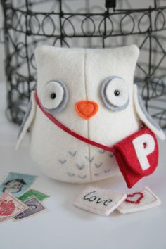 Owl post - new creative card. Inside his satchel you can pop a little note.