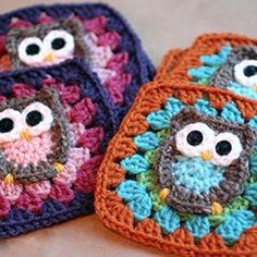 Repeat Crafter Me: Owl Granny Square Crochet Pattern, crochet, granny square… Grannies Crochet, Crochet Owls, Crochet Motifs, Crochet Blocks, Granny Square Crochet Pattern, Crochet Squares, Cute Crochet, Crochet Crafts, Granny Squares