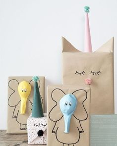 Here are the best DIY gift wrapping ideas for you to wrap the gifts for you friends and relatives on their birthday parties , wedding and for many celebrations! diy gifts Lovely And Unique DIY Gift Wrapping Ideas For 2018 Craft Ideas To Sell Handmade, Diy Gifts For Kids, Sell Diy, Kids Diy, Gifts For Children, Kids Gift Bags, Handmade Gifts For Friends, Handmade Crafts, Creative Gift Wrapping