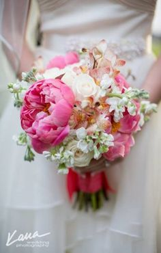 """ANOTHER fav--Vintage bouquet with big garden roses . maybe add in more magenta peonies and yellow like the """"shabby chic"""" flowers below. Blush Pink Bridesmaids, Wedding Bridesmaids, Wedding Bouquets, Wedding Flowers, Wedding Dresses, Chic Wedding, Trendy Wedding, Wedding Vintage, Gold Wedding"""