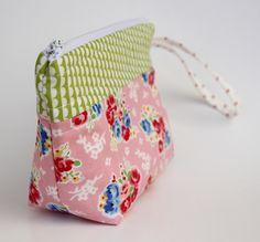 cute flat bottom pouch tutorial