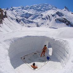 • Special Jacuzzi • Via: @worldwide_touring ❄️Wanna try this?⛄️