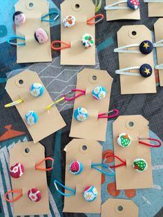 Speldjes en elastiekjes. Stofknoopjes van de action. Washer Necklace, Action, Jewelry, Group Action, Jewlery, Jewerly, Schmuck, Jewels, Jewelery