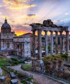 Tempio di Antonino e Faustina, Foro Romano