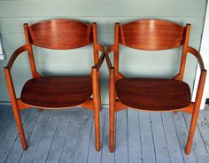 Jens Risom . We have this pair but with addition of simple leather seat padding.