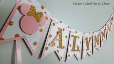 pink and gold first birthday*pink and gold minnie mouse*pink and gold high chair banner*pink and gold age banner*pink and gold party decor Minnie Mouse First Birthday, Gold First Birthday, Minnie Mouse Baby Shower, Minnie Mouse Pink, Minnie Mouse Party Decorations, Birthday Party Decorations, Pink And Gold Decorations, Pink Und Gold, Gold Party