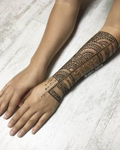 Arm henna geometric circles cool
