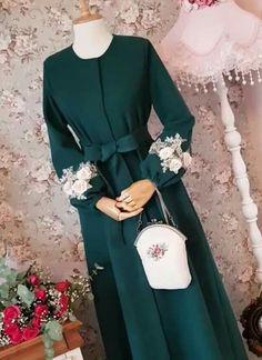 Hijab Evening Dress, Hijab Dress Party, Hijab Style Dress, Hijab Chic, Abaya Fashion, Modest Fashion, Fashion Dresses, Fashion Fashion, Modest Dresses